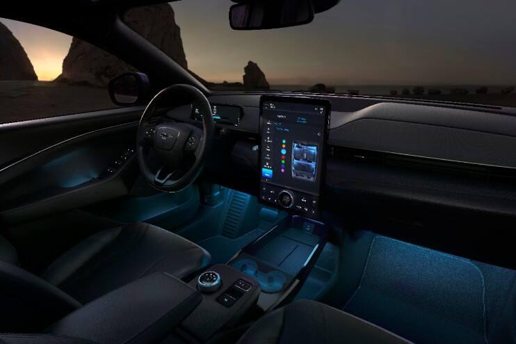Interiér nového Ford Mustang Mach-E