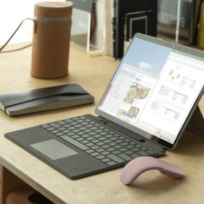 Microsoft spustil oficiálny predaj Surface Pro X tabletov