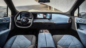 BMX iX vnútro interiéru vozidla