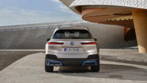Exteriér vozidla BMW iX zo zadu